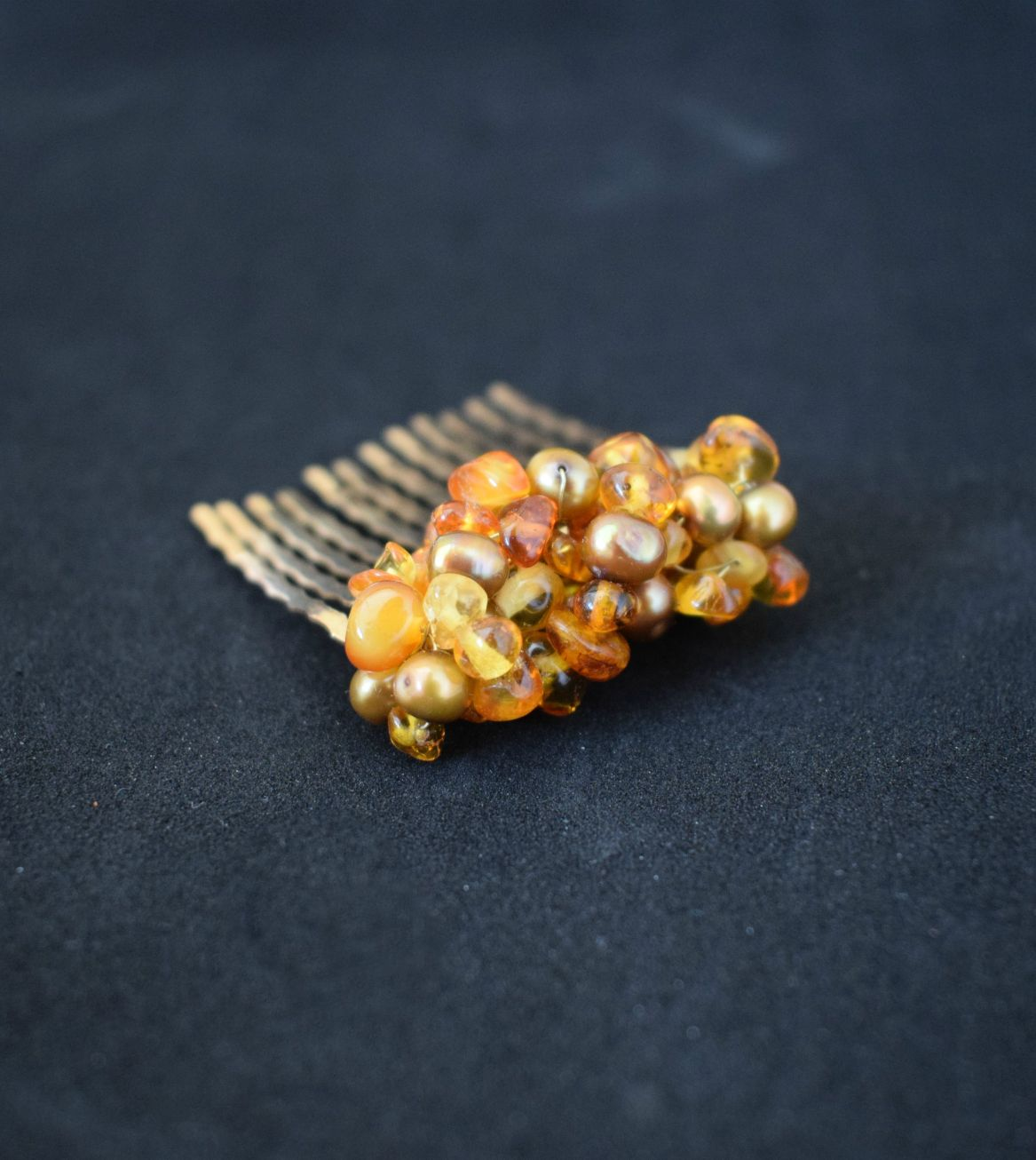 Baltic amber freshwater pearl hair comb