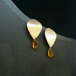 Baltic amber dangle drop gold earrings
